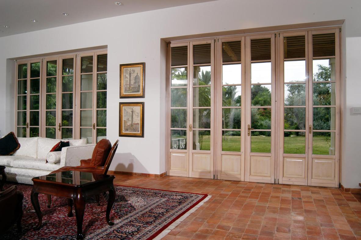 Serramenti in legno a brescia infissi legno brescia - Finestre stile americano ...